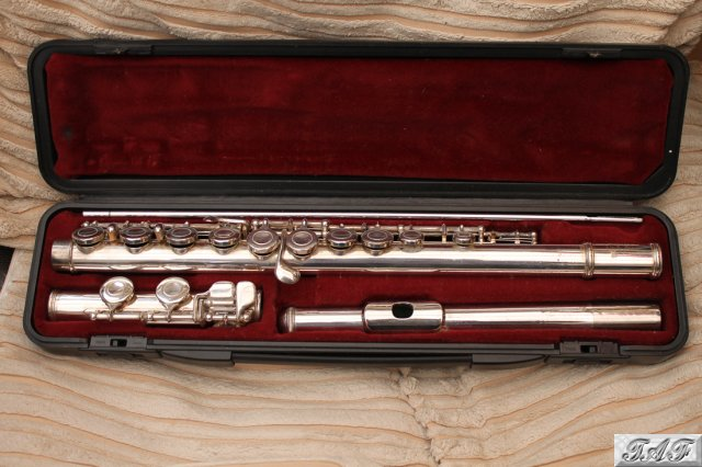 Yamaha yfl 22s flute item mi 100419 for sale on sellmyflute for Piccolo prices yamaha