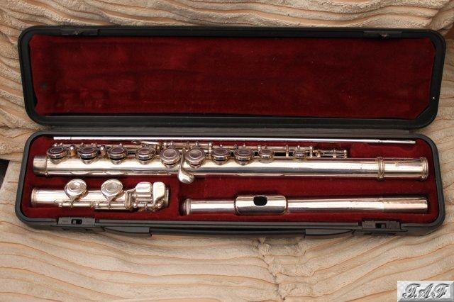 Yamaha yfl 22s flute item mi 100419 for sale on sellmyflute for Yamaha flute 222