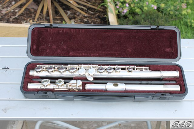 Yamaha 221 silverplated flute item mi 100474 for sale on for Yamaha yfl225s flute sale