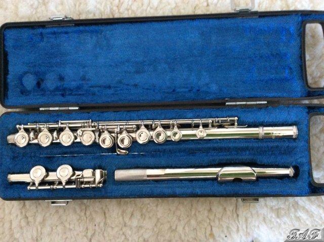 Yamaha flute item mi 100927 for sale on sellmyflute for Yamaha yfl225s flute sale
