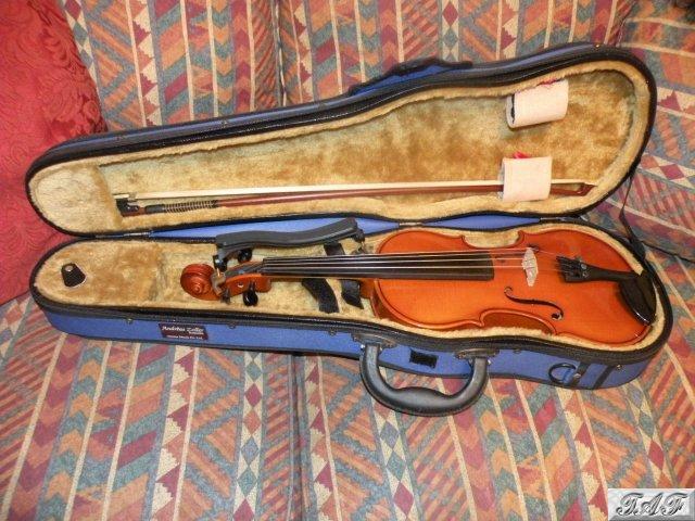 andreas zeller violin outfit three quarter size item mi 100425 for sale on sellmyviolin. Black Bedroom Furniture Sets. Home Design Ideas